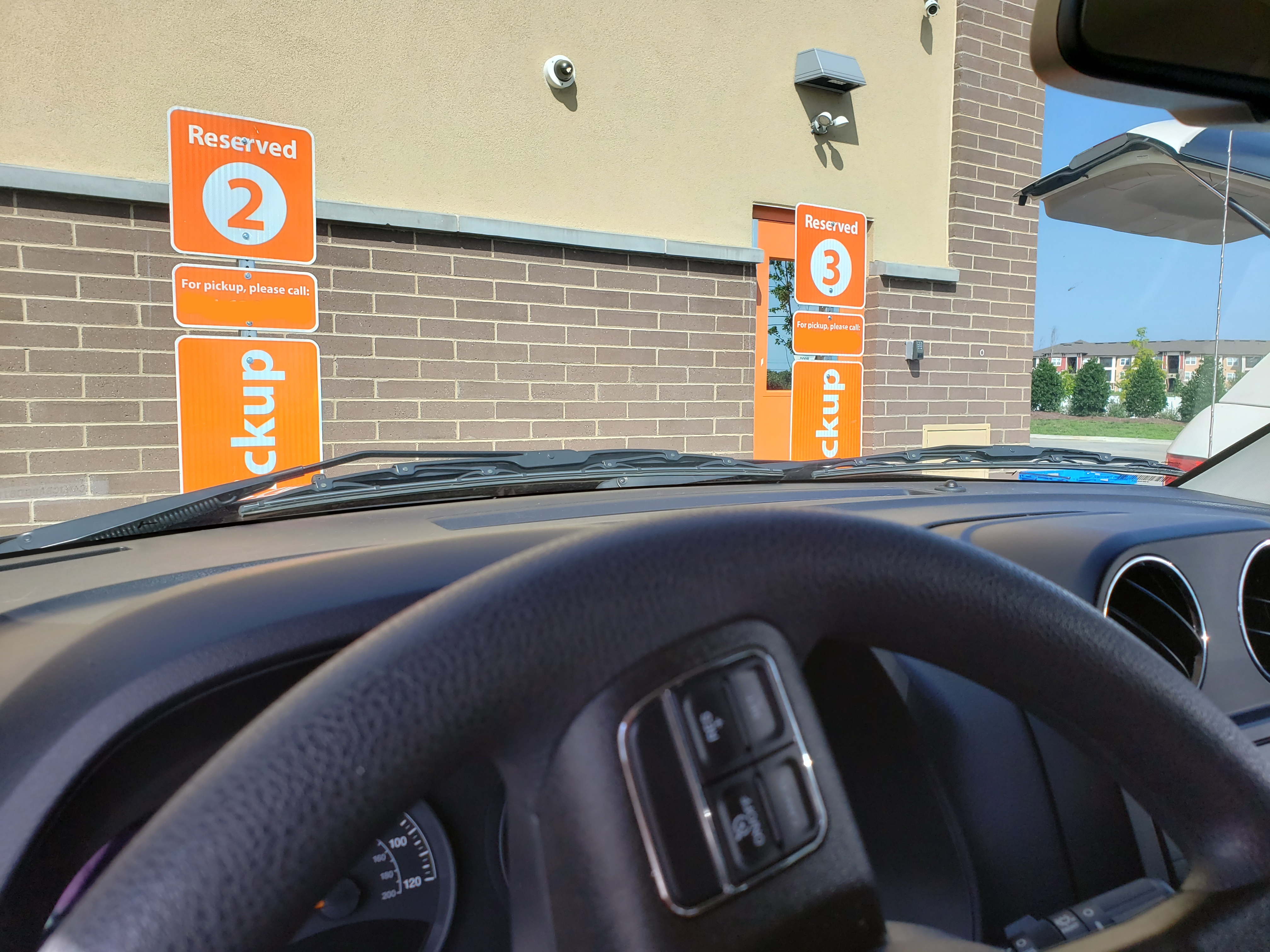 The Newest Hot Spot in Retail: Curbside